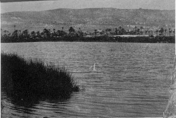 A Kármel-hegyi isteni ítélettétel után a hamis prófétákat a Kishon patakhoz vitték (a képen a hegy lába is látszik) és lemészárolták őket.