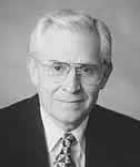 Richard L. Dresselhaus, ügyvezető presbiter és korábbi vezető pásztor a First Assembly of God gyülekezetnél San Diegóban, California államban
