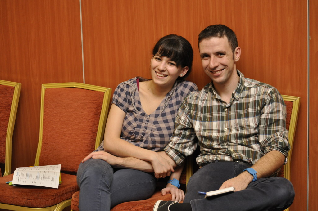 fiatal pár